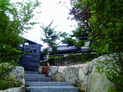 自然石を使った積み石